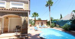 Complejo de 2 villas con 6 viviendas con piscina y parking en 1km. de la playa! PC-19127