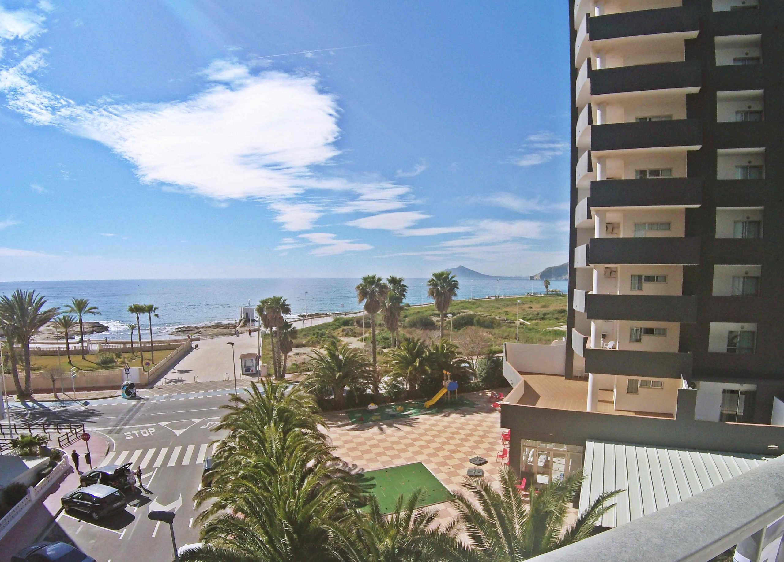 Three-bedroom apartment with sea and lake views, 50 meters from the beach! PD-20010